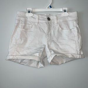 White Jegging shorts